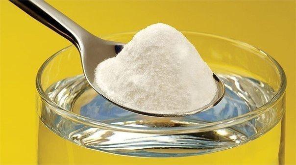 Толченый аспирин в ложечке фото