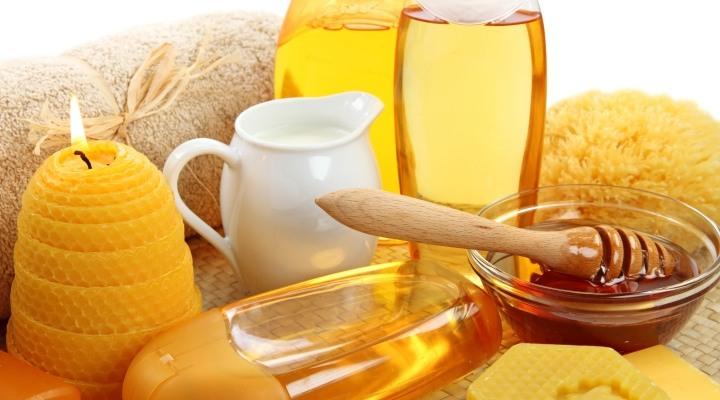 Приготовление молочно-медовой маски фото