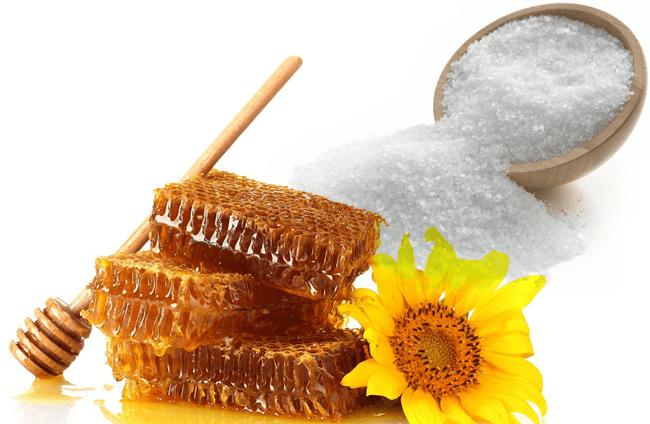 Мед и соль для приготовления маски фото