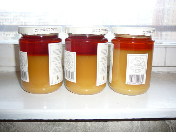 Фото расслоившегося меда в банках