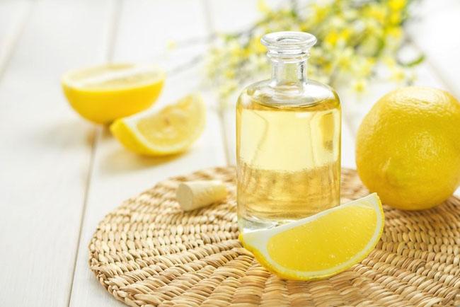 Лимонный сок в бутыльке фото
