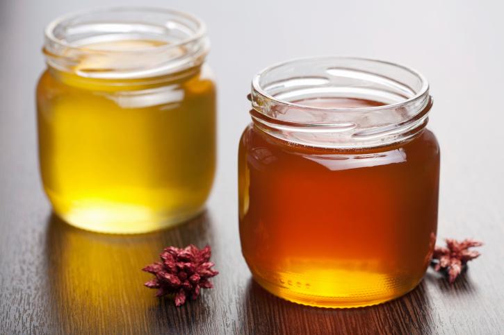Фото пчелиного продукта в баночках
