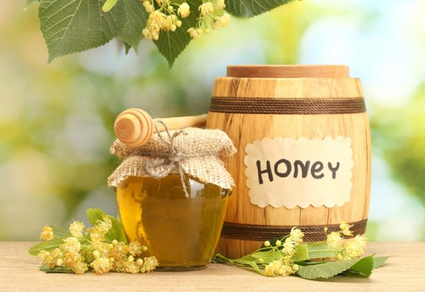 Фото бочонка и баночки с медом