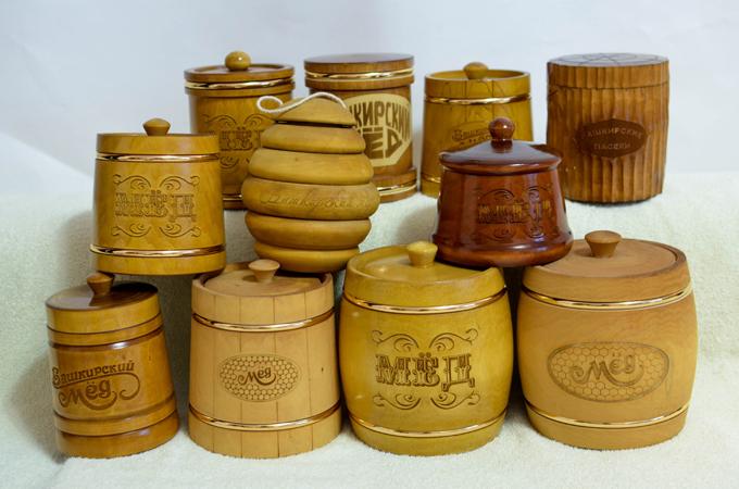 Фото глиняных и деревянных боченков с медом