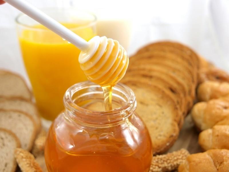 Фото меда и хлеба