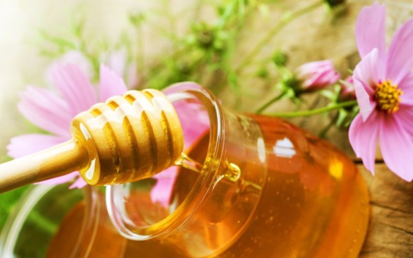 Фото розовых цветов и меда