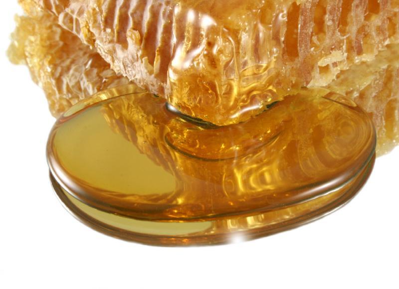 По каким причинам может горчить мед и как устранить этот недостаток?