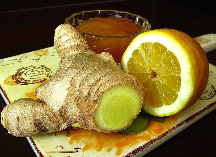 Великолепное трио против простуды: мед, имбирь и лимон