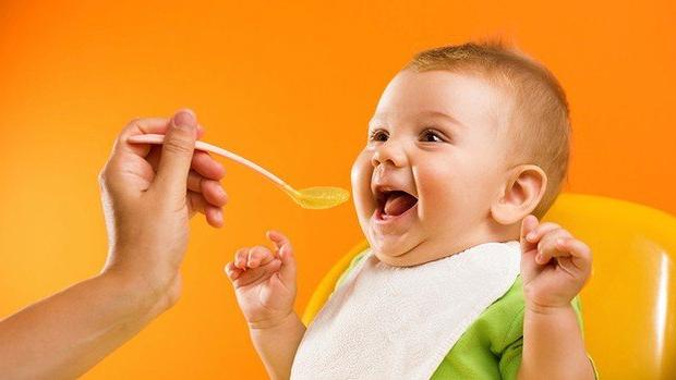 Фото кормление ребенка