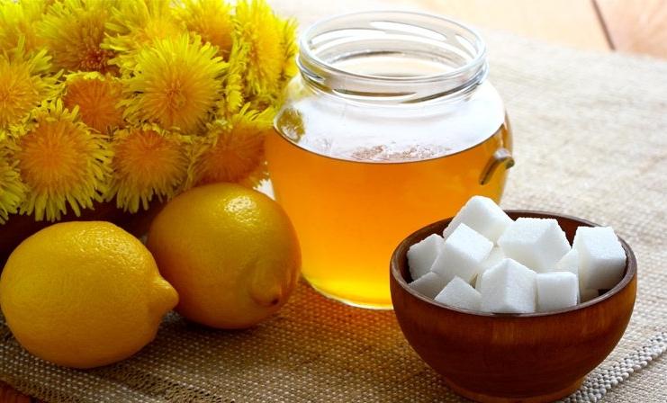 Фото меда в баночке и кубиков сахара