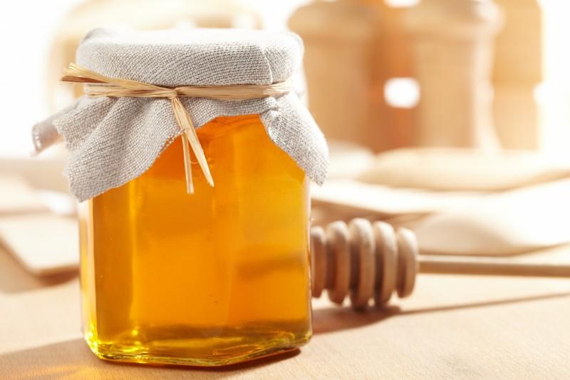 Фото продукта пчеловодства в баночке
