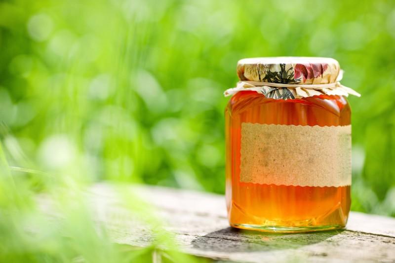 Фото банки с пчелиным продуктом