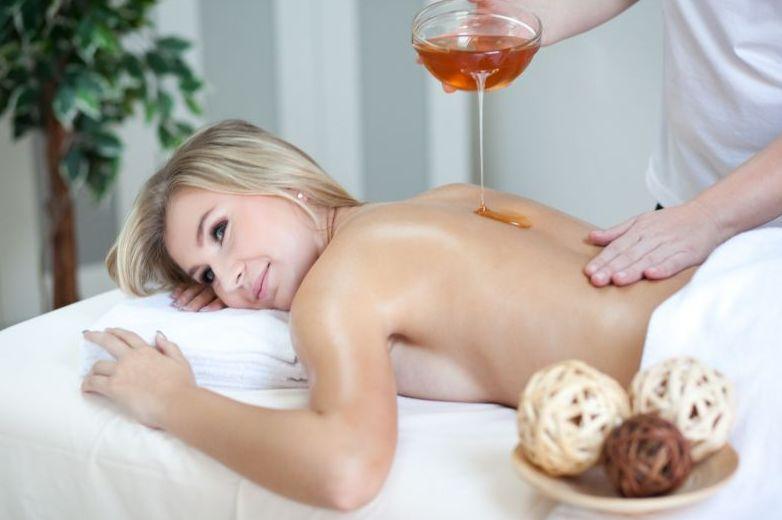 Эффективный расслабляющий массаж с медом
