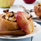 Запечённые яблоки с мёдом и корицей