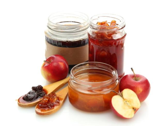 Три банки с медовым яблочным вареньем