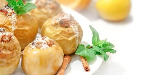 Яблоки, запечённые с мёдом и творогом