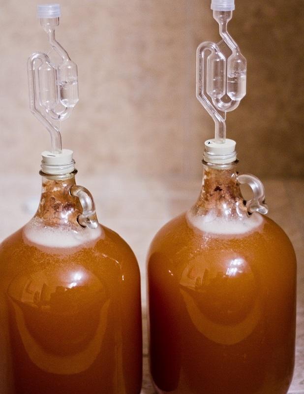 Пряный напиток в бутылях