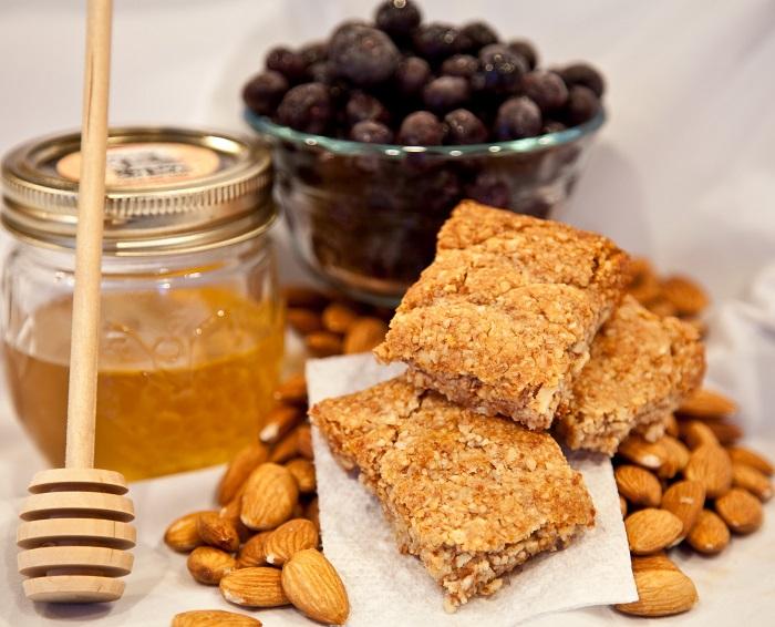 Орешки с медом и печенье на третий спас