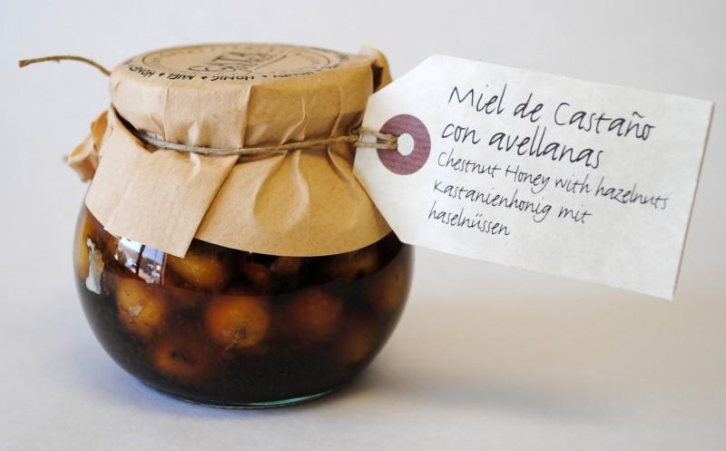 Мед из каштана с лесными орехами
