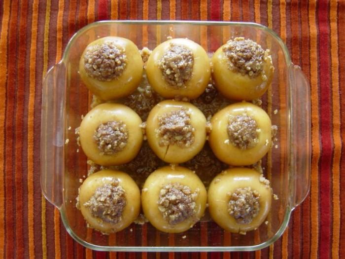 Готовим в духовке: печеные яблоки с медом