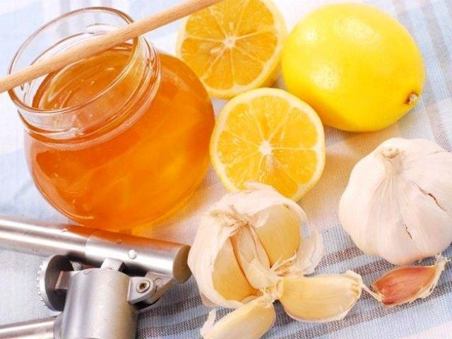 Мед, чеснок и лимон для маски