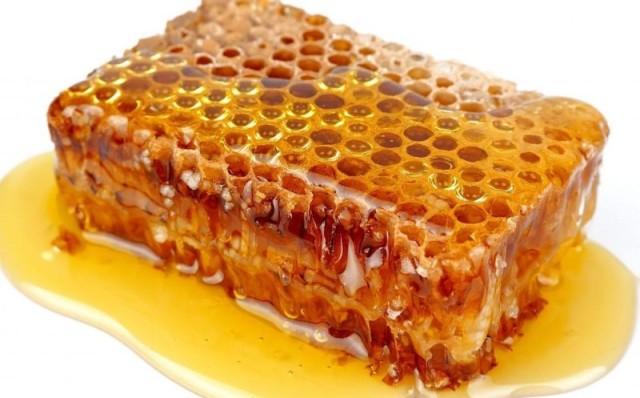 Соты с мёдом и прополисом