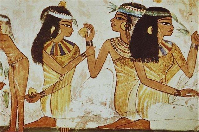 Изображение египтянок на папирусе