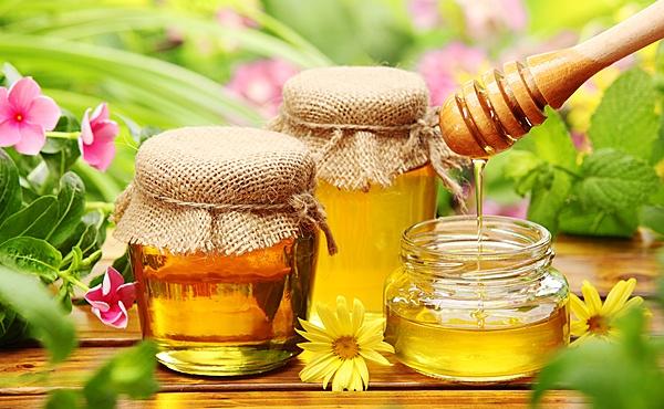 Пчелиное лакомство в банках
