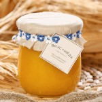 Эспарцетовый мед янтарного цвета