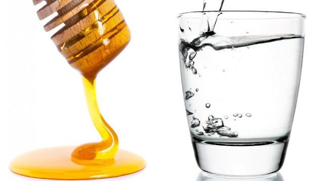 Мед и вода для лечения гастрита