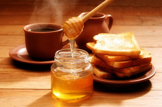 Пчелиный продукт с гренками к чаю