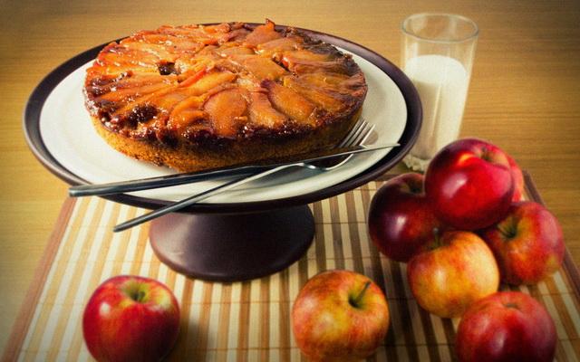 Готовый десерт на блюде