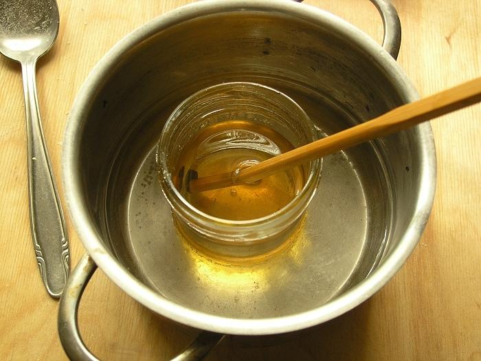 Емкости с расплавленным пчелопродуктом