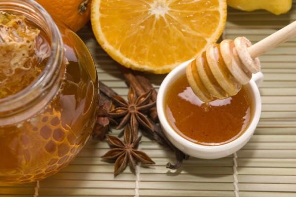 Мед, лимоны и масло