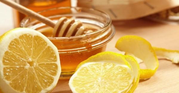 Мед и дольки лимона