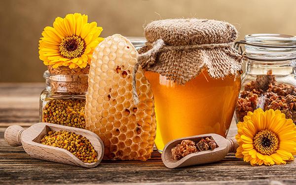 Мед — ценный комплекс питательных элементов для ваших сосудов