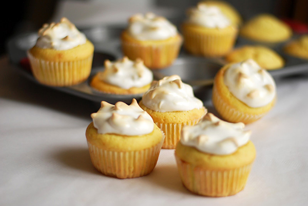 Лимонные пирожные с шафраном
