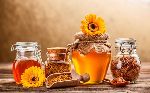 Жидкий мед, прополис и воск