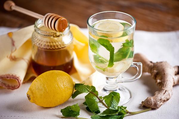 Лимонный напиток с пчелиными продуктами