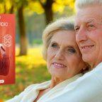 Женщина и мужчина на фоне упаковки препарата
