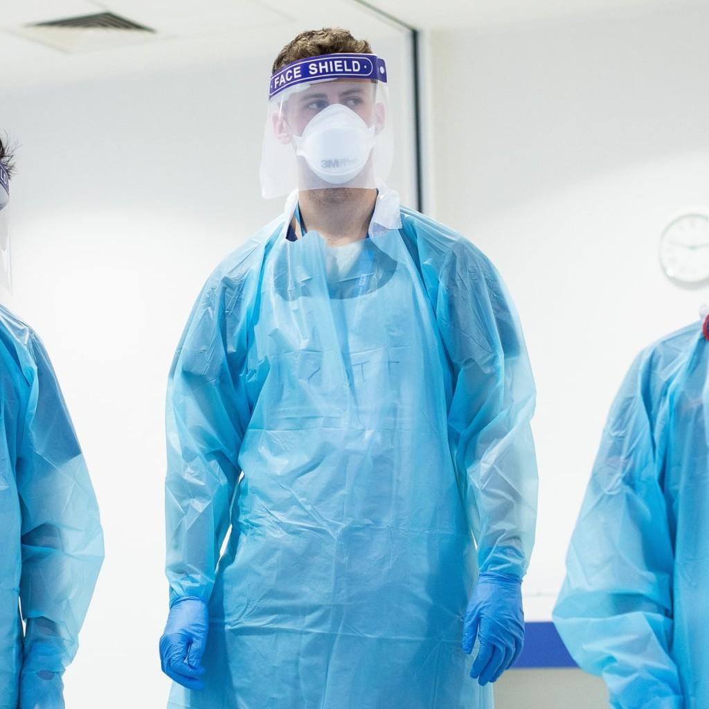 Как выбирать защитную одежду для работников здравоохранения.