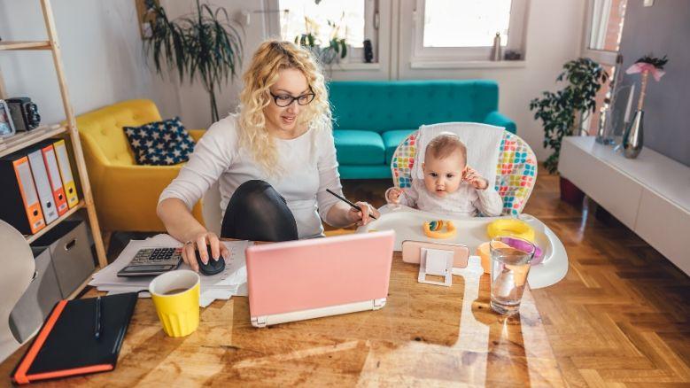 Как выжить, работая дома с детьми