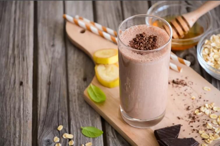 Шоколадно-овсяное молоко с медом