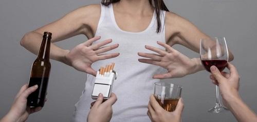 Наркоман или алкоголик в семье: как помочь ему и себе