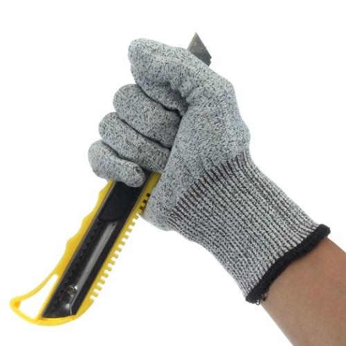 Рабочие перчатки для промышленных предприятий: берегите руки!