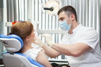 Стоматолог-терапевт: описание работы, требования к образованию