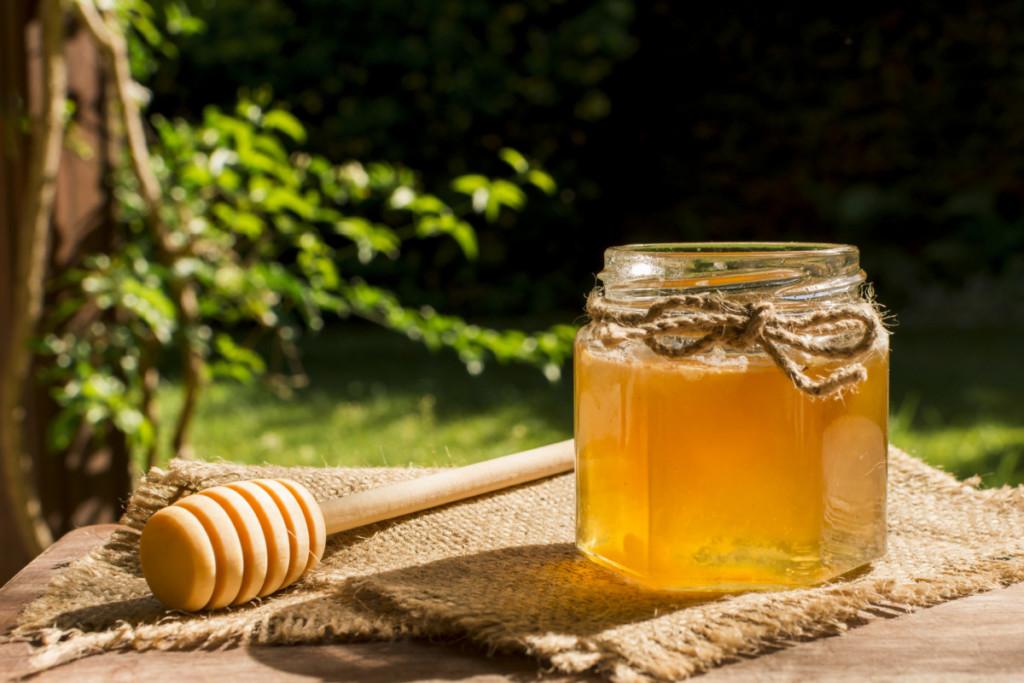 Мёд и другие натуральные средства лечения белых пятен при витилиго