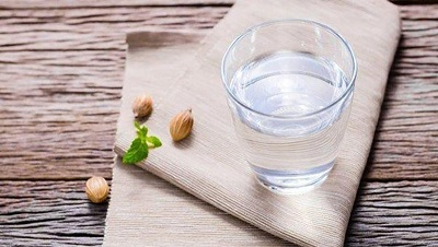 Преимущества питьевой воды: как она влияет на вашу кожу, вес и многое другое